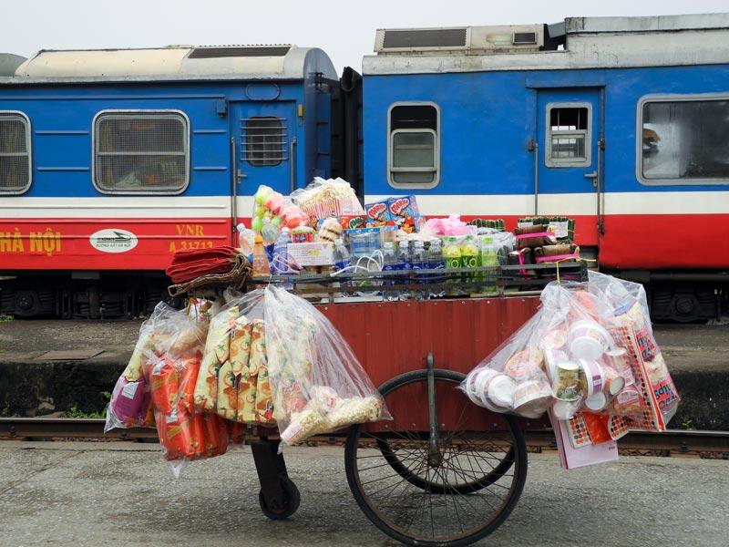 Audrey Correnoz – gare de Thant Hoa, Vietnam